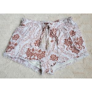 Honey punch white and brown pattern shorts